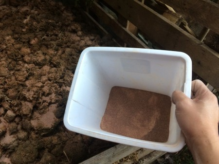 Zeolite-rock-dust-for-horse-manure-composting.jpg